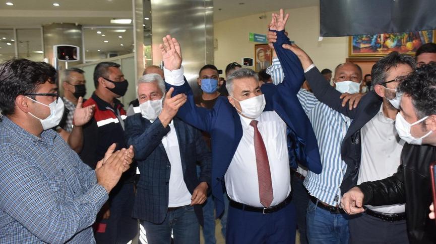 Torbalı'da başkanlık seçimini CHP'li Mithat Tekin kazandı