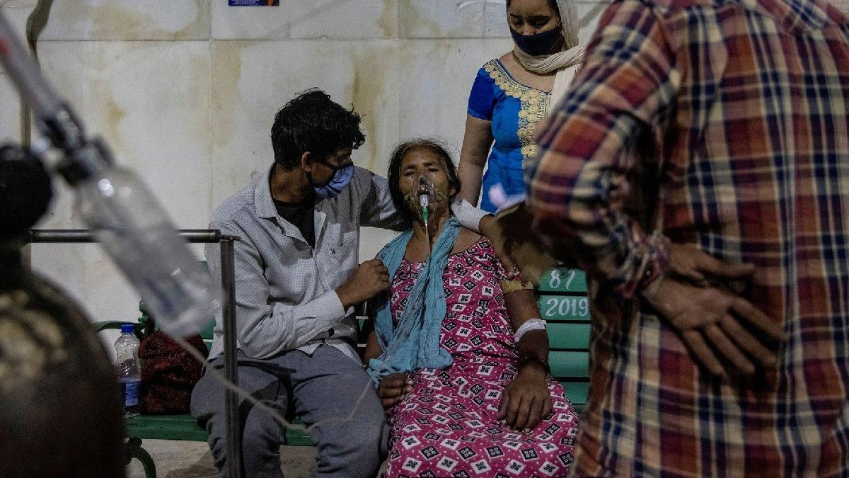 Hindistan'da durum kötüleşiyor... Uzmanlar uyardı: İki hafta cehennem gibi olacak