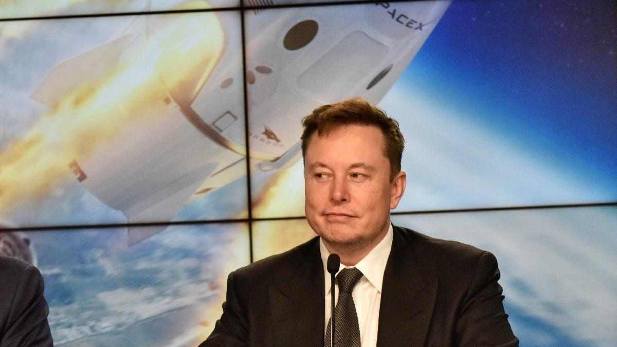 Elon Musk, Jeff Bezos'un Blue Origin'ini sosyal medyada tiye aldı