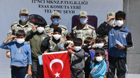 Barış Pınarı ve Bahar Kalkanı bölgelerinde 23 Nisan kutlaması