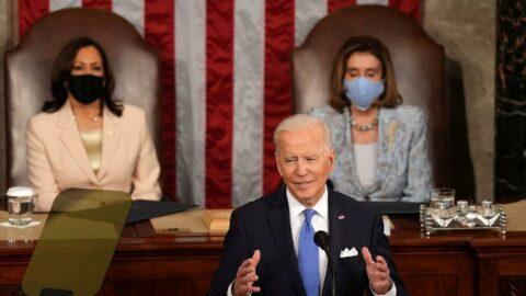 ABD'de tarihi kare... Biden iki kadın liderin önünde Kongre'de