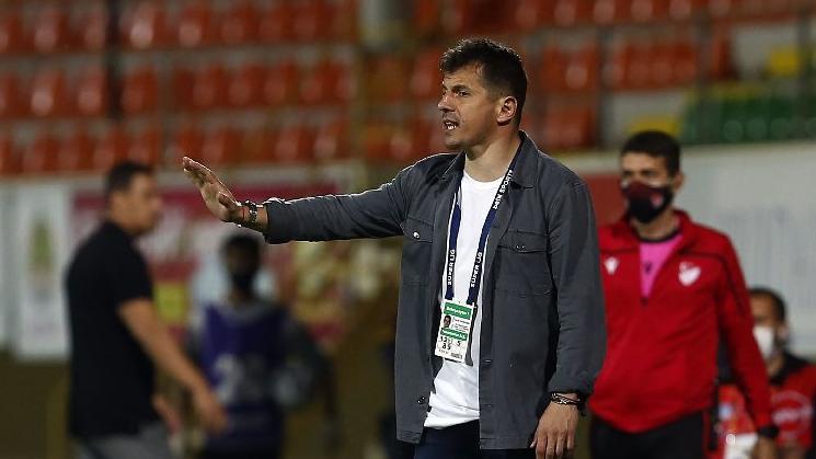 Emre Belözoğlu: Sonu ne olursa olsun mücadele eden Fenerbahçe olacak
