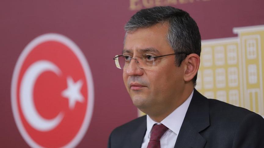 CHP'li Özel'den Bakan Koca'ya: Arkanızda saray rejimi durmuyorsa parlamento var
