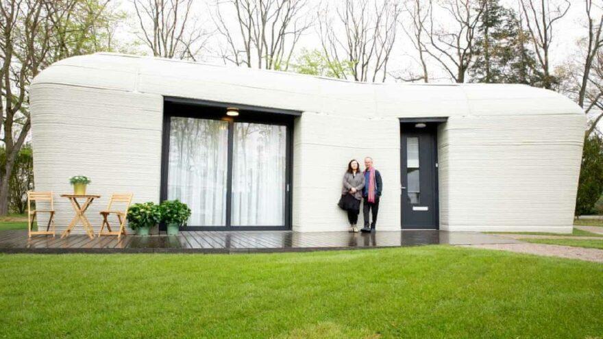 Avrupa'da bir ilk: 3D yazıcı ile yapılan evde yaşamaya başladılar