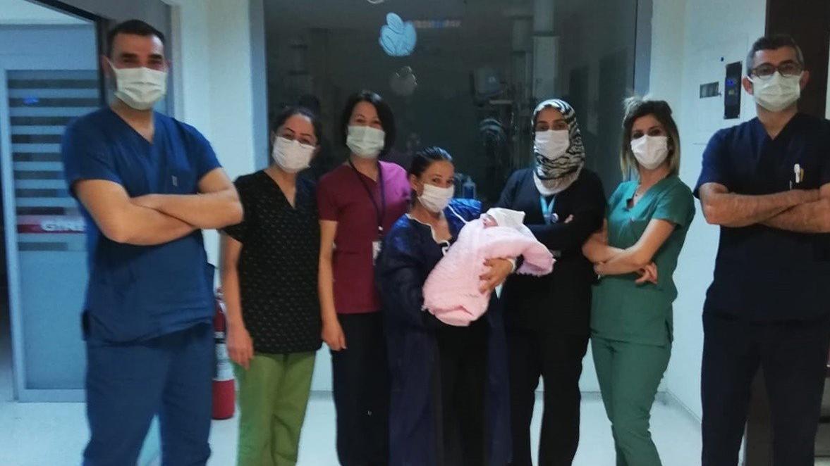 770 gram olarak dünyaya gelen bebekten iyi haber
