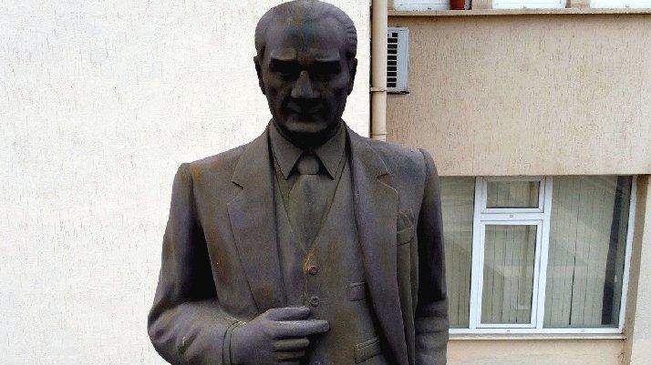 Sözcü yazdı, Atatürk heykeli bakıma alındı