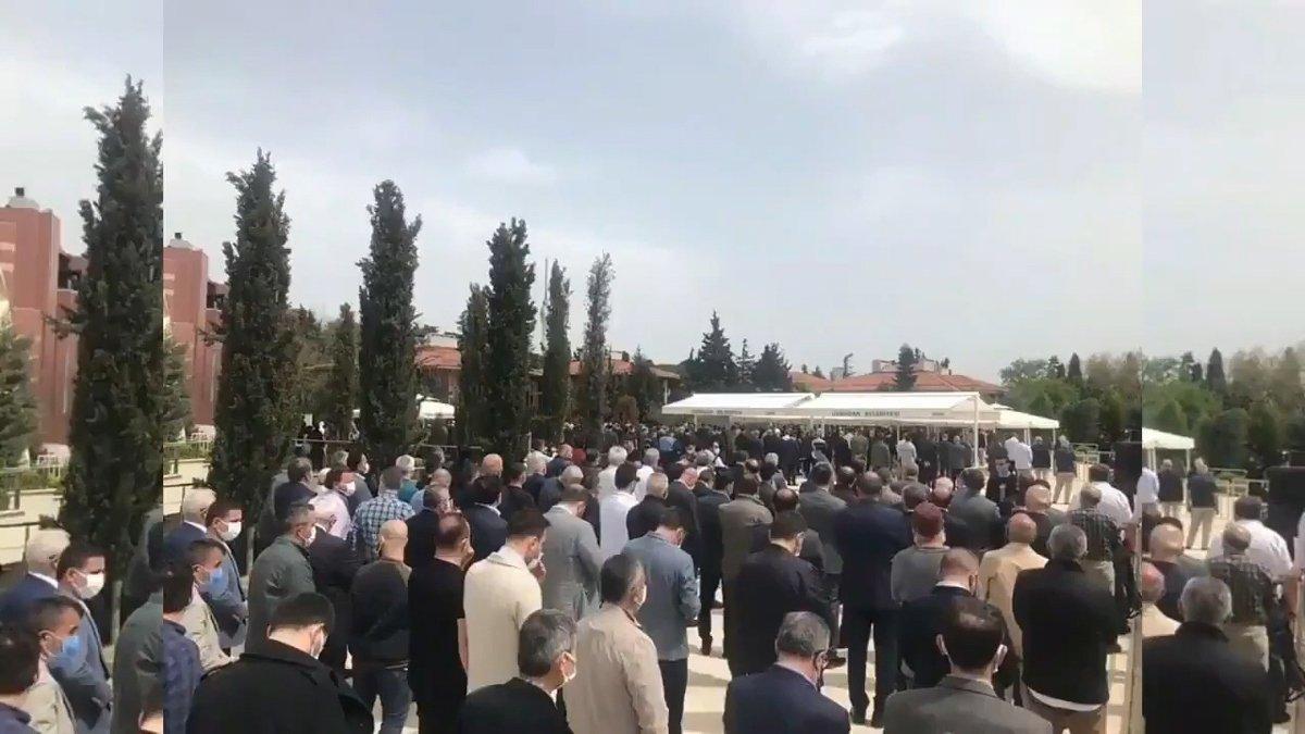 Erdoğan ve bakanlar da katıldı! Cenazedeki görüntüler tepki çekti