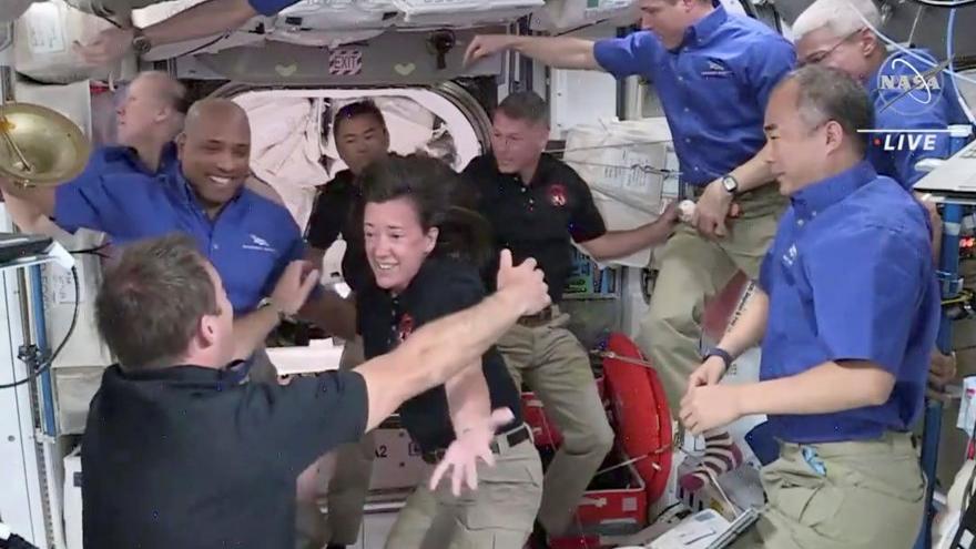 Space X ve NASA'nın gönderdiği astronotlar Dünya'ya döndü