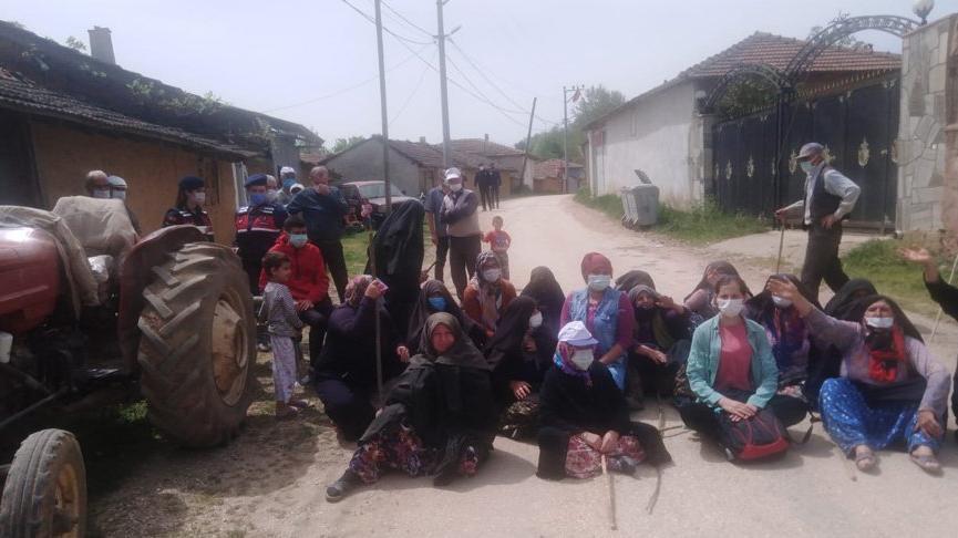 'Köylüye yasaksa şirkete de yasak' diyen Kirazlıyaylalı vatandaşlar kazı çalışmasını durdurdu