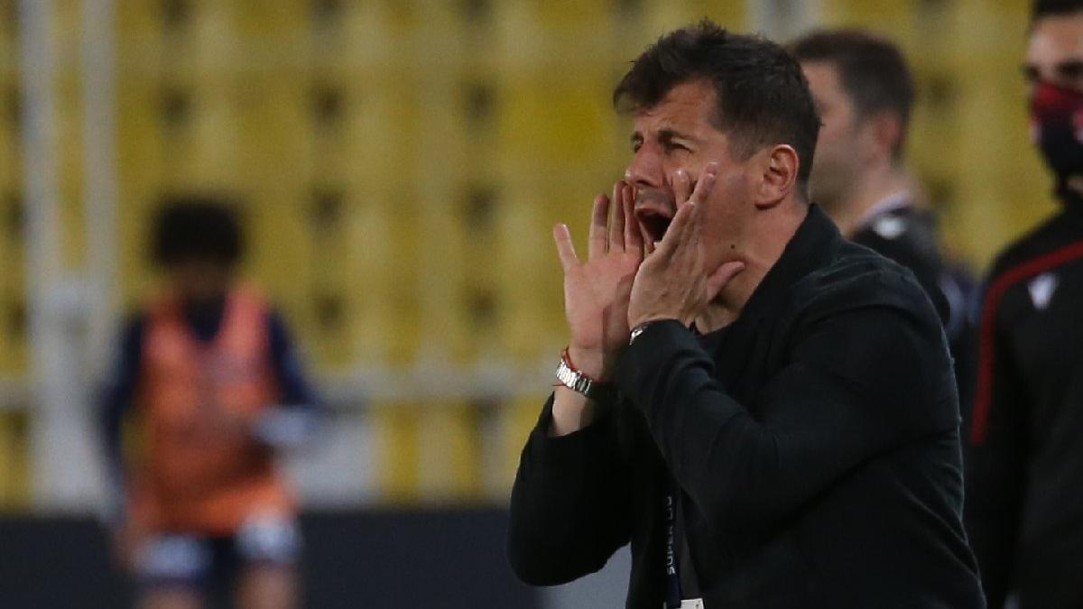 Fenerbahçe'de Emre Belözoğlu sahayı terk etti, sitem etti: 'Benim oyun anlayışımda...'