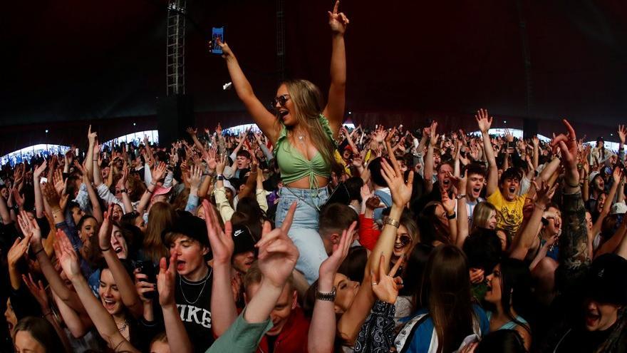 Sıkı önlemler ve aşılamada sonuç: İlk müzik festivali düzenlendi