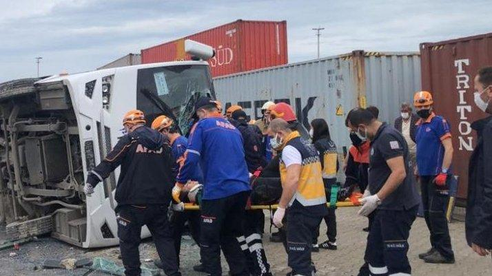 Bursa'da işçi servisi takla attı: Ölü ve yaralılar var