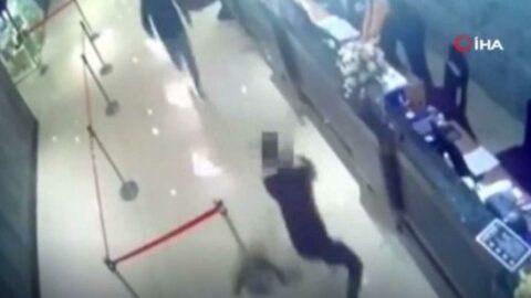 Restorana hamam böcekli saldırı anı kamerada