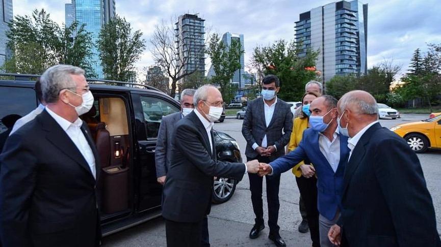 Kemal Kılıçdaroğlu ve Mansur Yavaş, taksicilerle iftar yaptı
