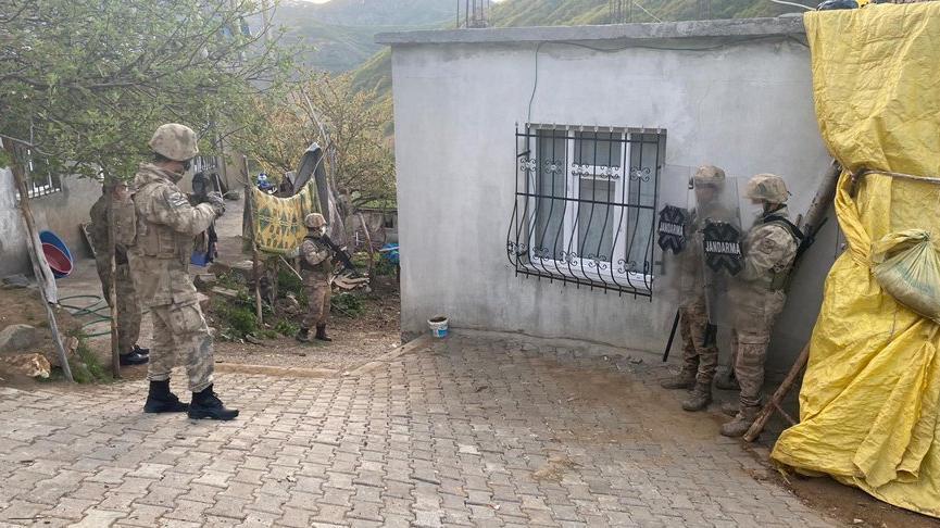 4 ilde terör operasyonu: 9 gözaltı