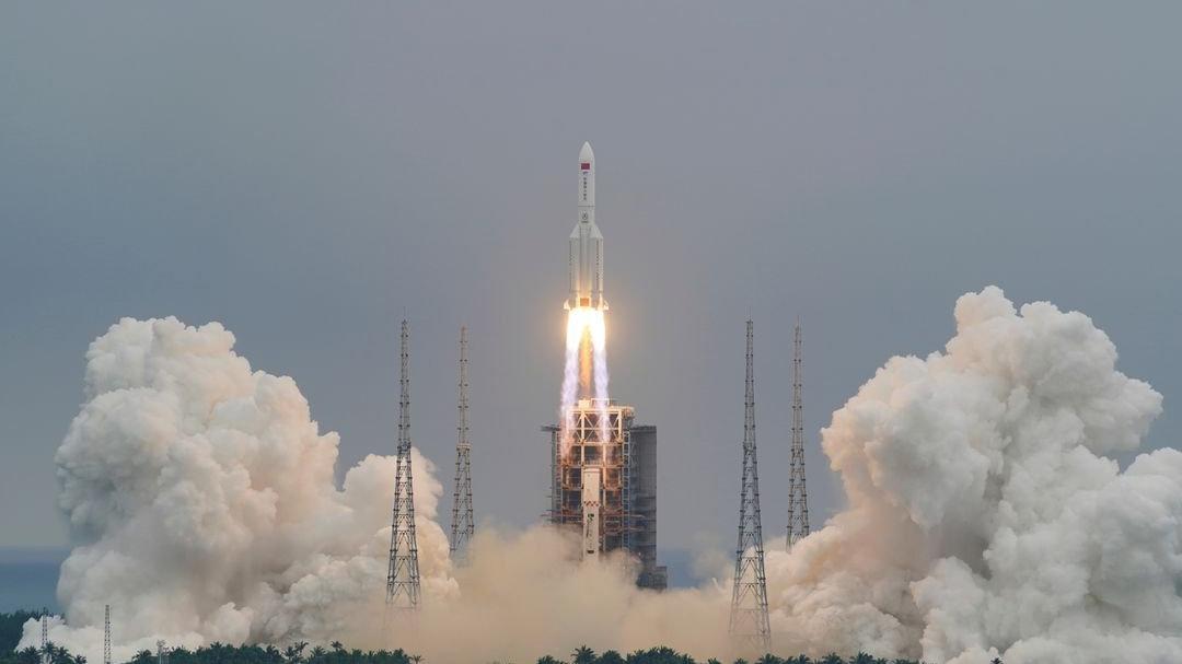 Uzaya gönderilen roket kontrolden çıktı
