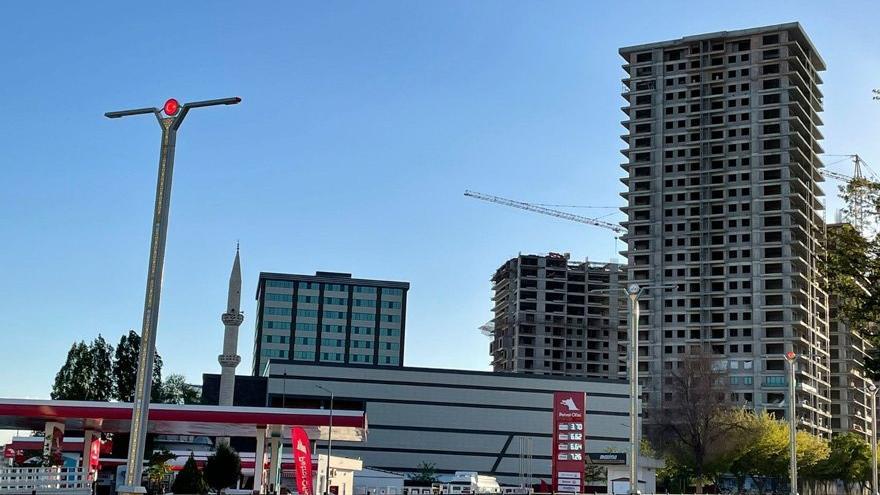 Deprem bölgesine 26 katlı bina diktiler