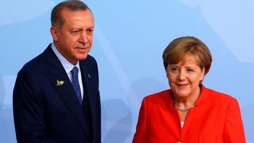 Erdoğan ile Merkel arasında kritik görüşme