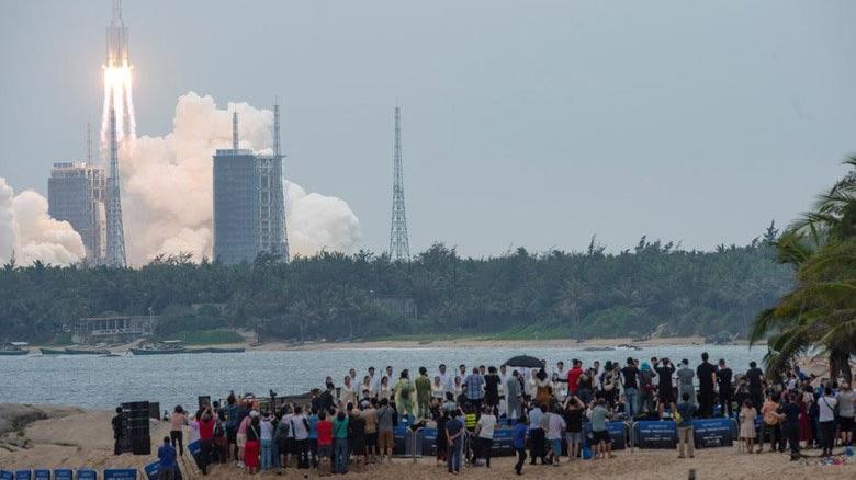 ABD'den roket uyarısı: Cumartesi Dünya'ya düşebilir