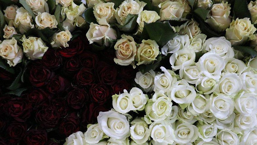 Çiçek mezadında Anneler Günü yoğunluğu