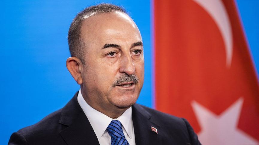 Bakan Çavuşoğlu'nun aşı açıklamasına siyasetçilerden peş peşe tepki