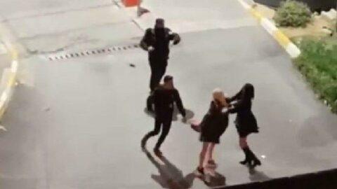 İstanbul'da lüks sitede kadınların saç başa kavgası...