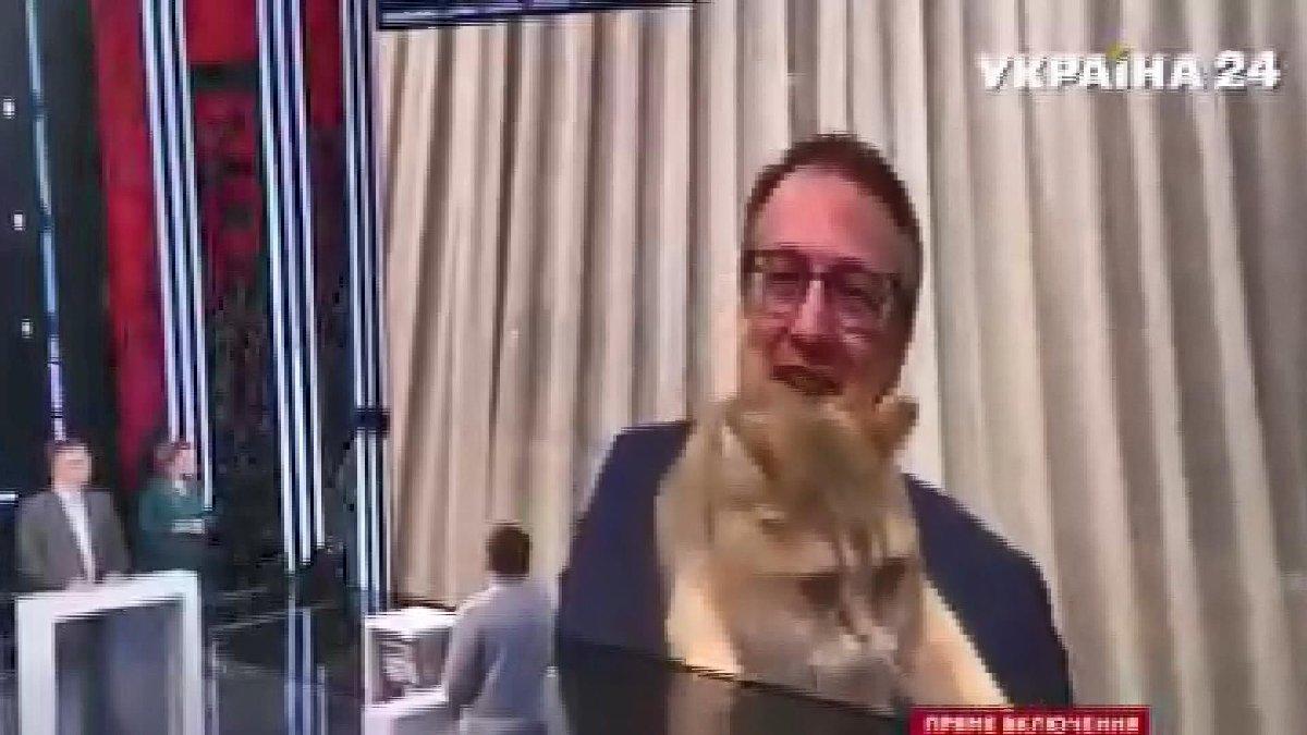 Ukraynalı bakanın konuşmasını kedisi böldü