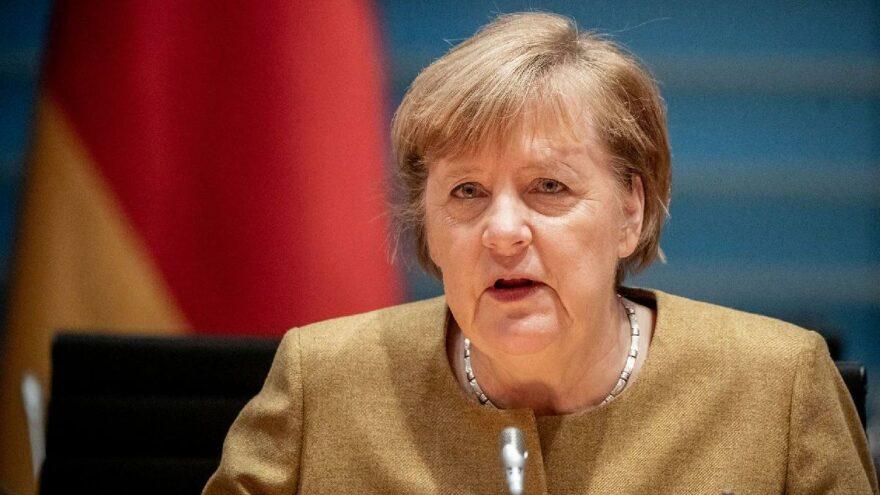 Merkel, Uğur Şahin'le görüştü: Almanya aşıda fikri mülkiyet haklarının kaldırılmasına karşı