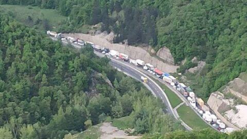 Bursa-Ankara kara yolunda trafik durdu