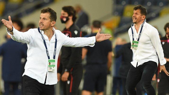 Fenerbahçe Teknik Direktörü Emre Belözoğlu 35. dakikada oyuncu değiştirdi, gol geldi!