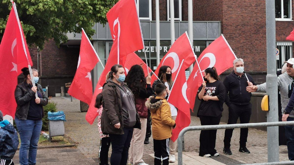 Almanya'daki Türklerden polis şiddetine protesto