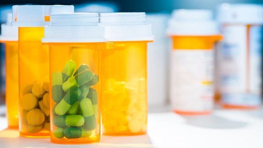 'Hidroksiklorokini tedavi rehberine koyanlar ölümlerden sorumludur'