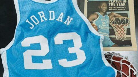 Ünlü basketbolcunun forması 11 milyon TL'ye satıldı