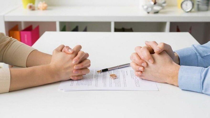 Ekonomik şiddet hem boşanma hem tazminat sebebi