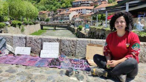 Genç gezgin salgına rağmen otostopla Balkanlar'ı geziyor