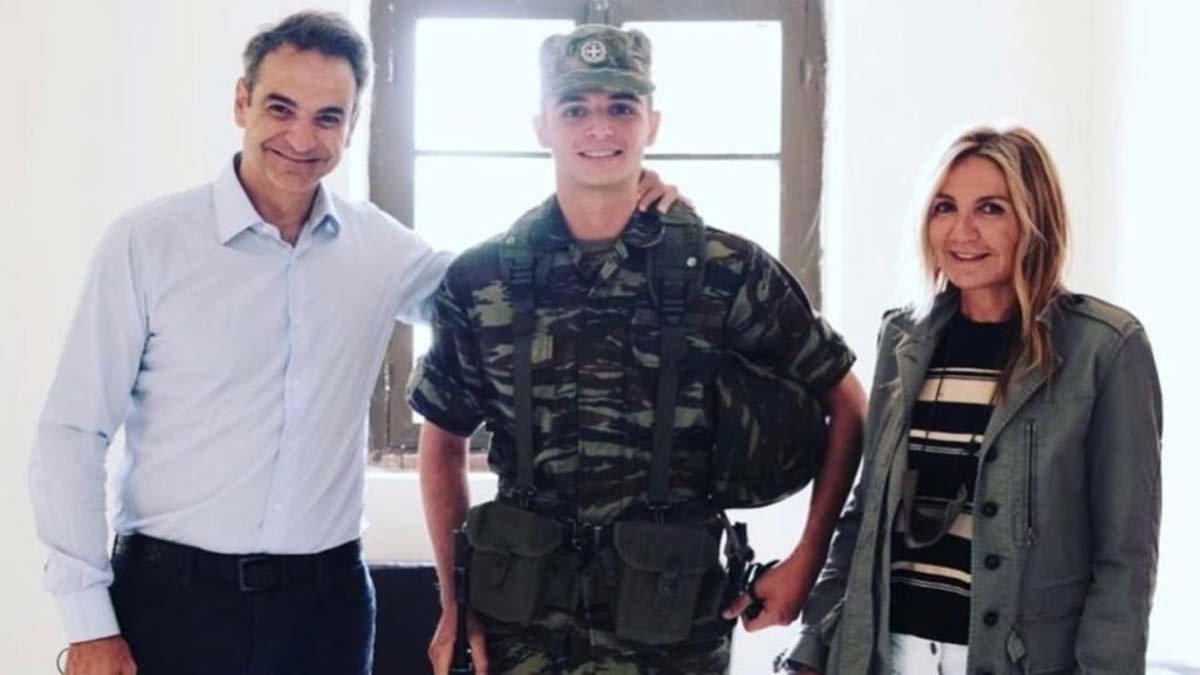 Türkiye sınırında askerliğini yapan Yunanistan başbakanının oğlu terhis oldu