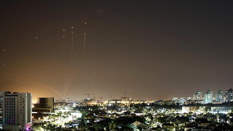 Gerilim tırmanıyor! Hamas, Tel Aviv'e 130 roket fırlattı