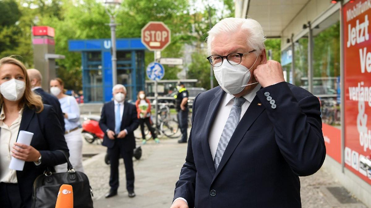 Steinmeier'dan aşı çağrısı: Sosyal bir sorun olmamalı