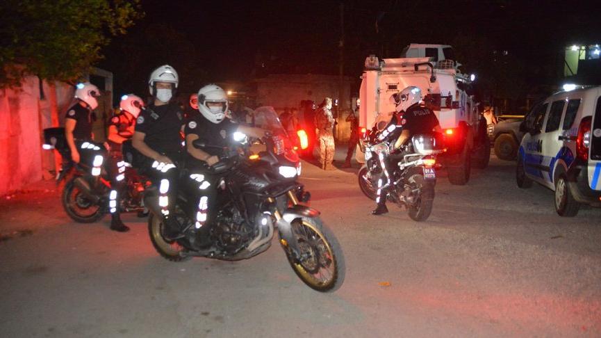 Sokak ortasında silahlı saldırı: Başından vuruldu