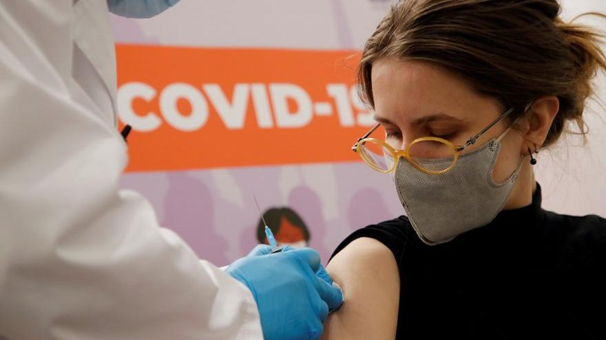 Covid-19 aşısında kritik gelişmeler: Gerçek sonuçlar açıklandı ve Türkiye'ye lisans verildi