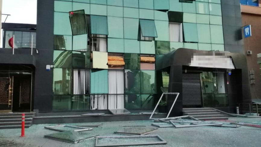 İstanbul'da metro inşaatında kontrollü patlatma: İş yeri ve evlerin camları kırıldı