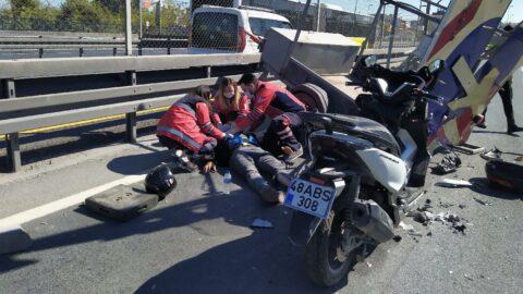 E-5'te feci kaza! Yön tabelasına çarptı