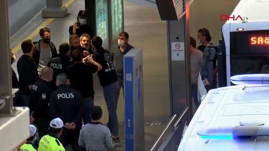 Metrobüste bıçaklı şahıs paniği: Gözaltına alındı