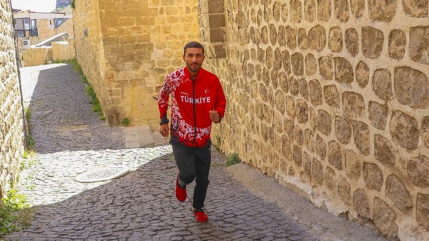 Milli maratoncu Tokyo'ya Mardin sokaklarında hazırlanıyor