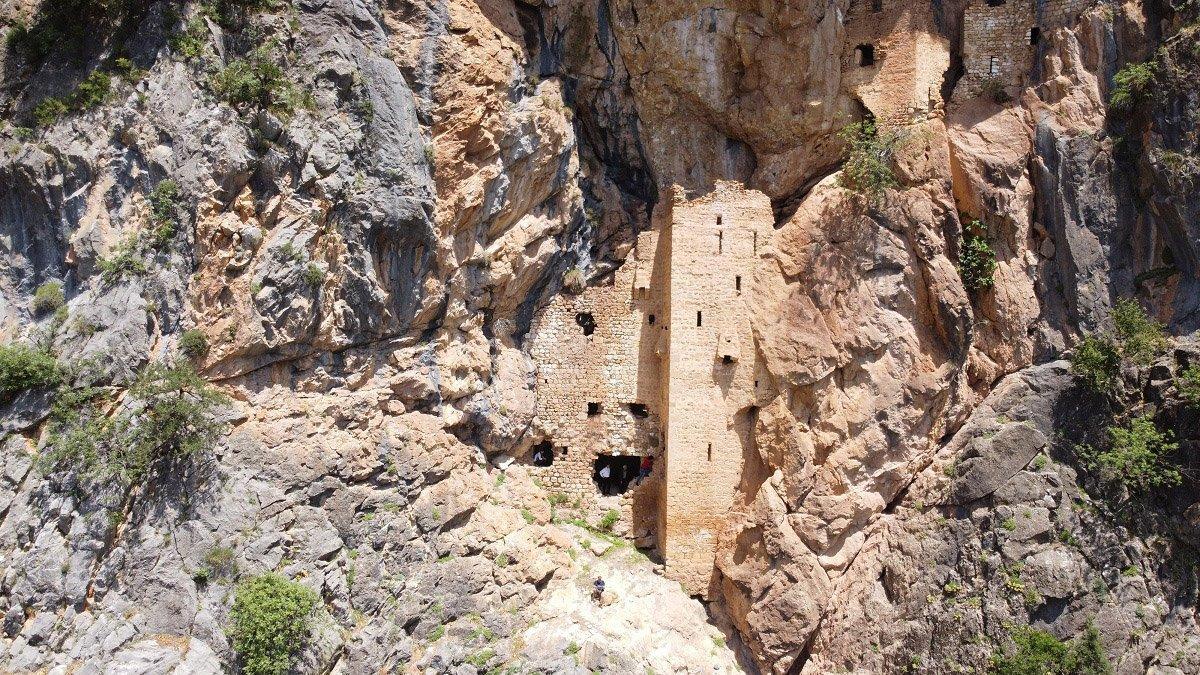 'Torosların Sümelası' Sin Manastırı keşfedilmeyi bekliyor