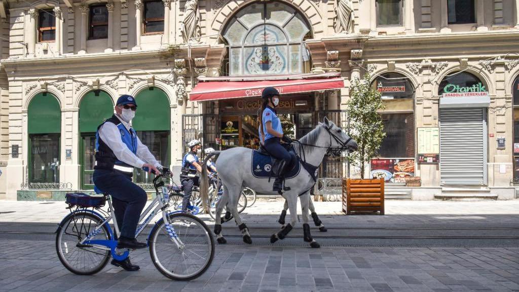 İstanbul'da bisikletli ve atlı zabıtalar göreve başladı