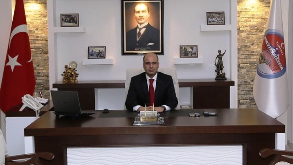 Tunceli İl Özel İdaresi'nde ayağa kalkmayan memura ceza verildi