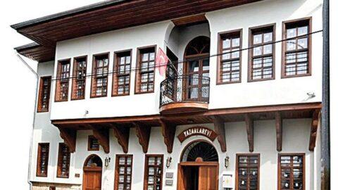 Adana Yazarlar Evi Sanatı inşa ediyor