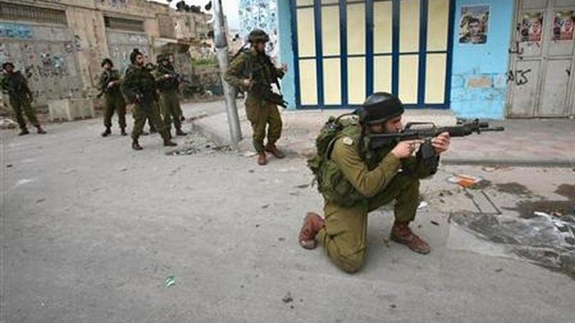 İsrail, Lübnanlı protestoculara ateş açtı