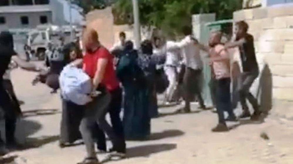 İki aile arasında taşlı sopalı kavga